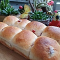 草莓優格QQ麵包.jpg