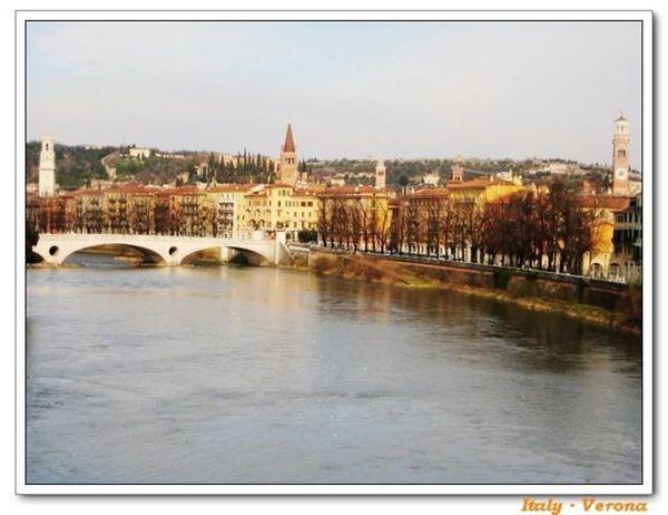 Verona_riverside1.jpg