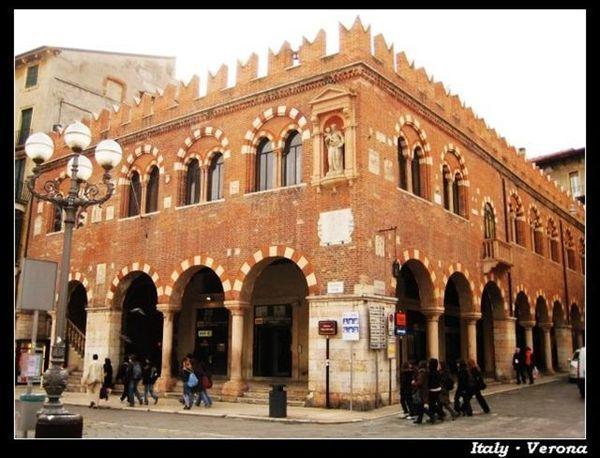 Verona_sq13.jpg