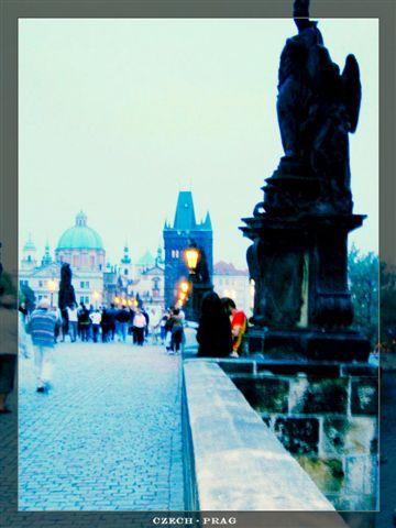 Prag_charlesbridge1.jpg