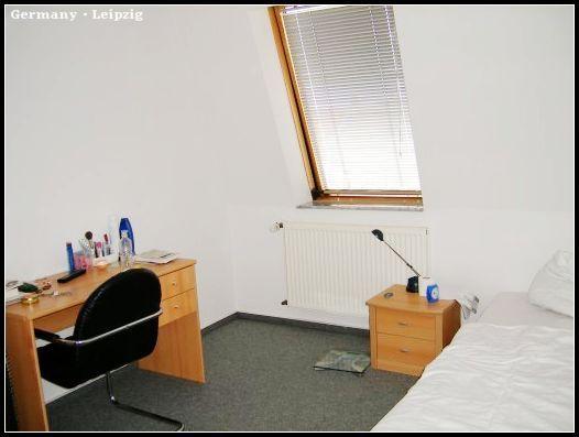 Wohnung1_schlafzimmer.jpg