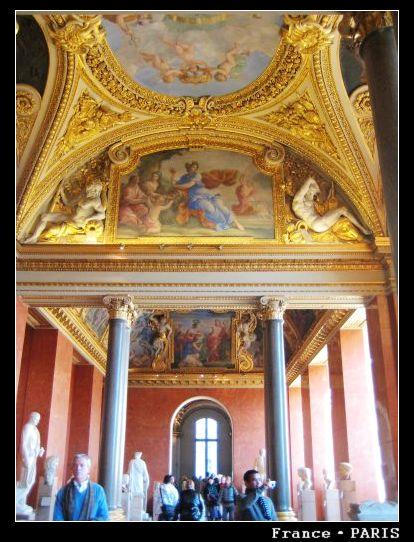 Musee louvre_Inside2.jpg