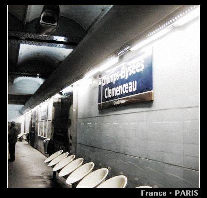 Metro_Champs-Elysees Clemenceau1.jpg
