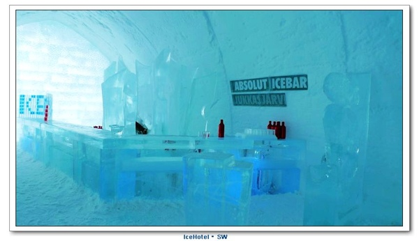 IceHotel_Icebar3.JPG