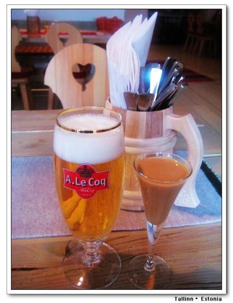 Kuldse Notsu Korts_beer and vana tallinn.jpg