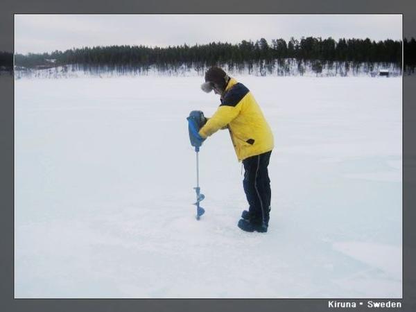 Kiruna_D2_IceFishing.jpg