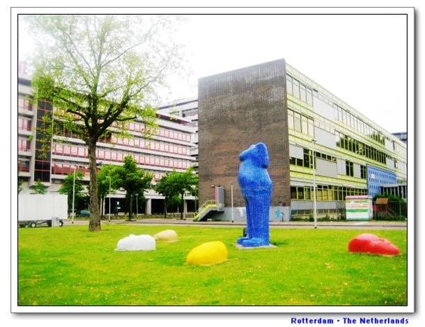 citystatue2.jpg