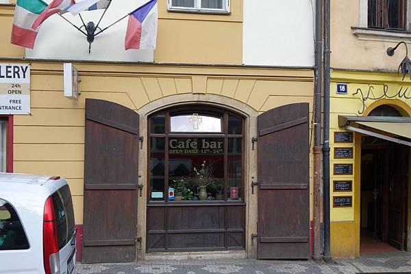 布拉格路邊cafe DSC01995.JPG