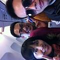 飛機上自拍3人組2
