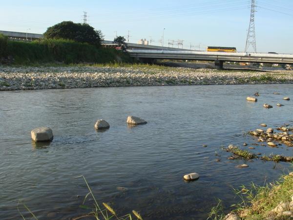 筏子溪目前的河道6.JPG
