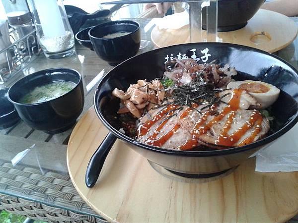 20131103和老公吃燒肉飯