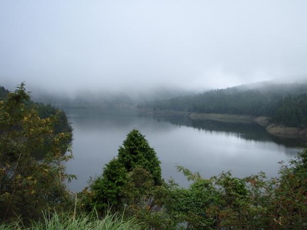 超美的翠峰湖