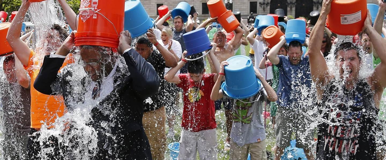 140811-boston-ice-bucket-challenge-1350_26906d39ac7ead702b45e5b7707b8dc6.nbcnews-fp-1440-600.jpg