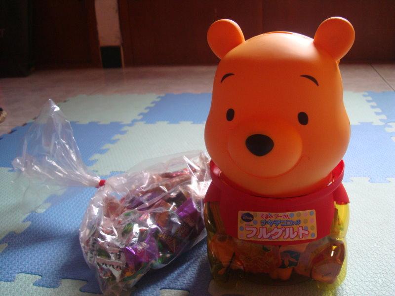生日happy~維尼造型桶+零散糖果