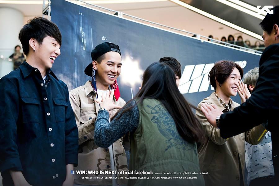 High Touch Evemt 1st Fan Meeting-02.jpg