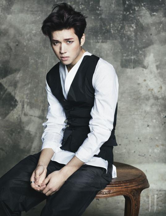 W Korea4月號04.png