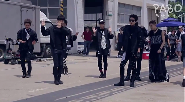 INFINITE-Back-Melon-MV Making-04.PNG