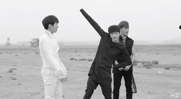 INFINITE-Back-Naver-概念照BTS-02.PNG