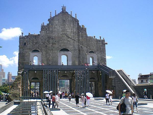 800px-Macau_Cathedral_of_Saint_Paul_back_square.jpg