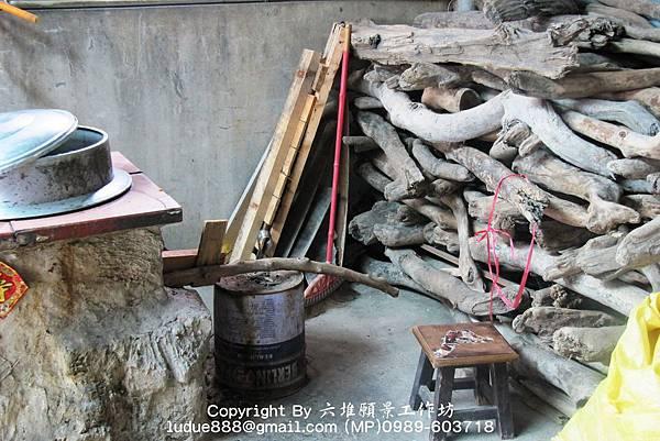 PhotoCap_照片 004燒漂流木的大骨湯