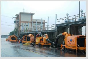 17.颱風過境下陷區抽水機陣仗