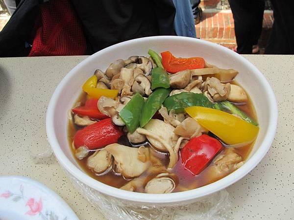 73彩椒炒菇