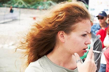 女性吸菸 提高乳癌60%風險