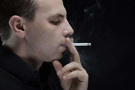 氣溫低 老菸槍染肺炎鏈球菌