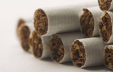 加國3大菸商 判賠吸菸者3826億