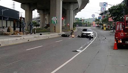 大學生駕賓士酒駕 老公目睹老婆被撞死