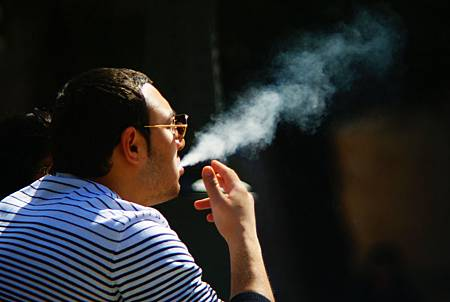 恐全身病!抽菸肺癌風險激增 恐陽痿中風通通來