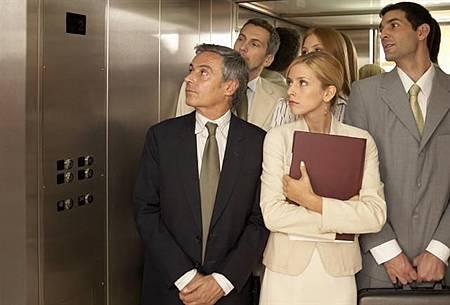 防「三手菸」危害 日本新規:吸菸後45分內禁搭電梯