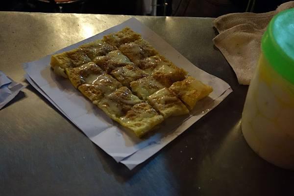 回味無窮的街頭小吃~香蕉蛋餅
