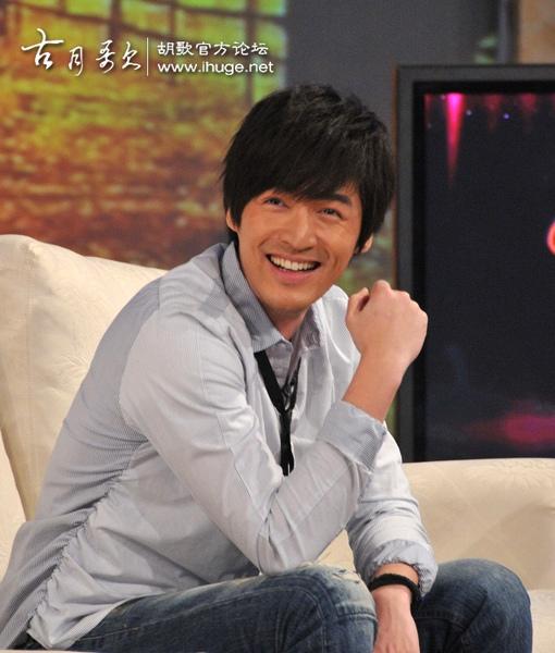 節目受訪 他的笑容我真的完全沒有抵抗力啊.....