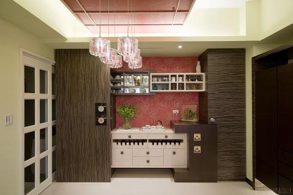 收納與展示並存的餐廳收納櫃