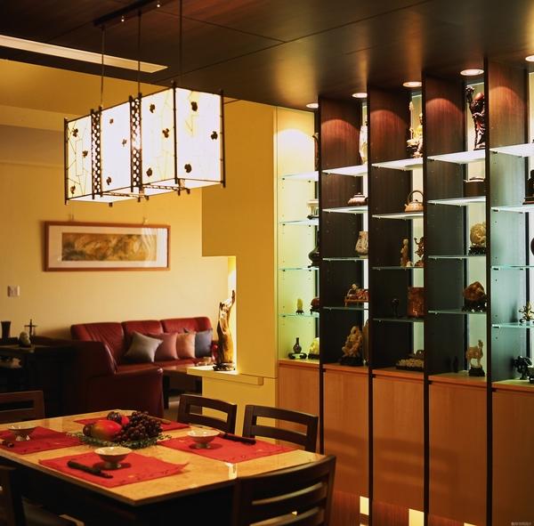 覲得-展示用餐具櫃