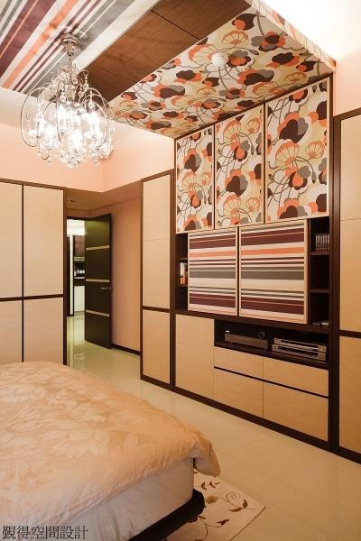主臥房收納+造型天花板