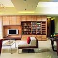 客廳收納-雙層書櫃-覲得.jpg