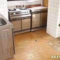 老屋改裝前廚房.jpg