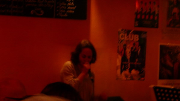 巴黎爵士女歌手.jpg