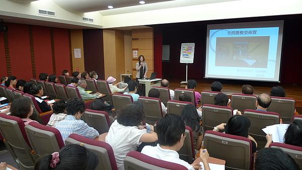 20101001游淑慧設計師演講 (2).JPG
