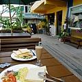 早餐,可以在外面配陽光享用