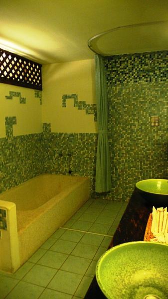 四人房浴室