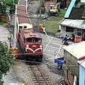 在陽台可以看到外面阿里山小火車經過