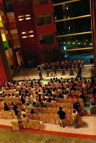 大廳每天都有布農族表演