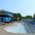 夏天才開放的游泳池