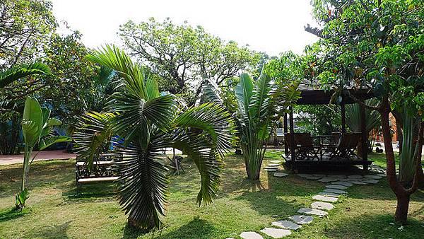 八村villa館中庭花園