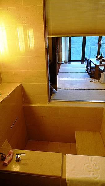 山景和式房浴室