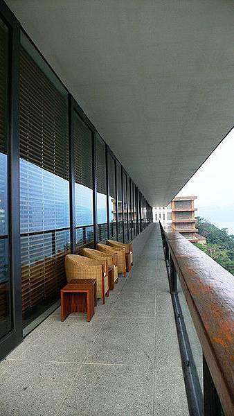 lobby後方陽台
