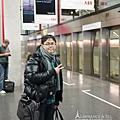 蘇黎世航站等待接駁電車